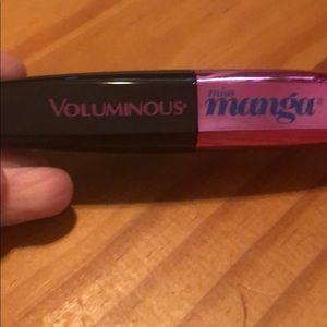 voluminous manga mascara
